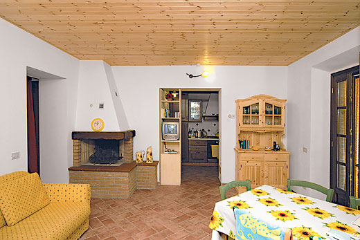 Balconaio in Monteverdi Marittimo, Tuscany - sleeps 4 people