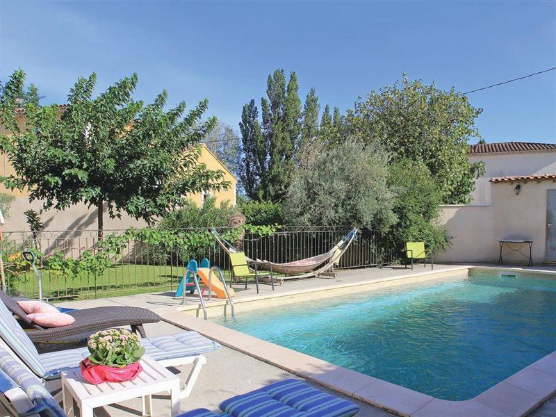 Belle Villa in Les Angles, Gard - sleeps 6 people
