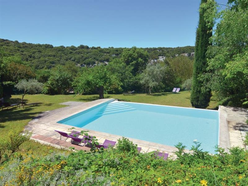 Bouquet in Languedoc-Roussillon - sleeps 6 people