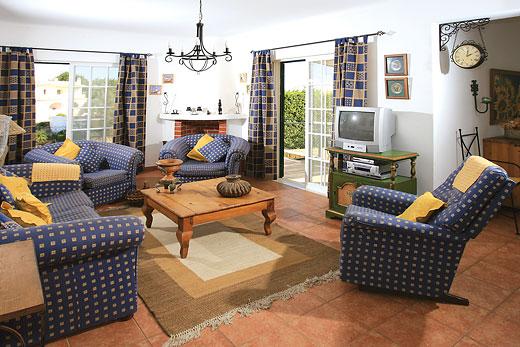 Casa Acacia in Carvoeiro, Algarve - sleeps 8 people