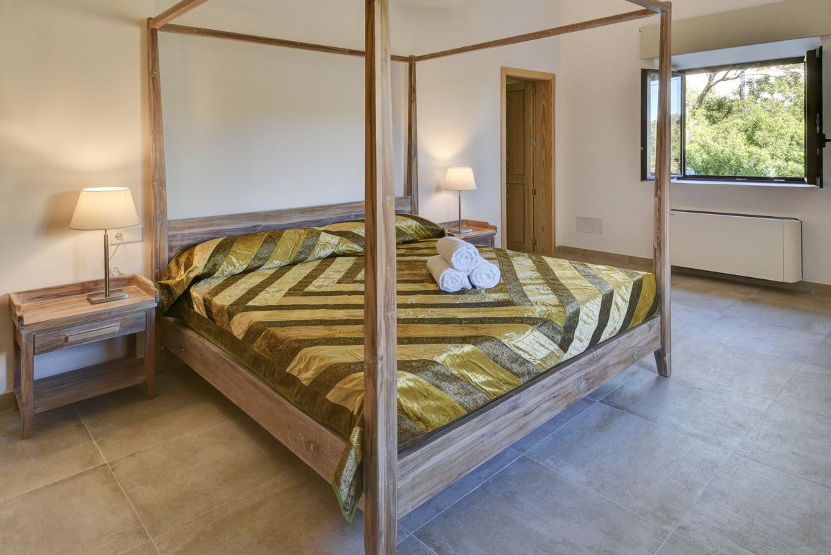 Casa Colom in Cala d'Or - sleeps 6 people