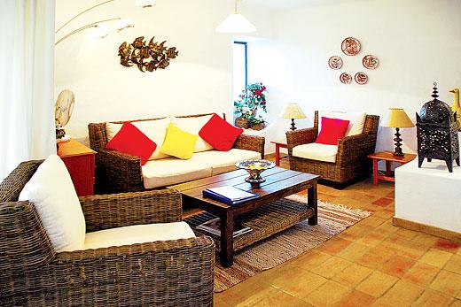 Casa Flora in Quinta do Paraiso, Algarve - sleeps 4 people