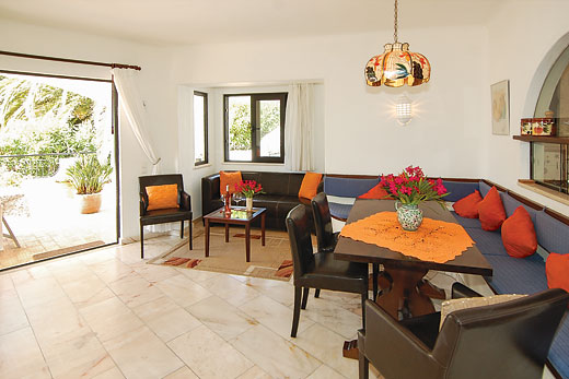 Casa Monte Mimosa in Carvoeiro, Algarve - sleeps 6 people