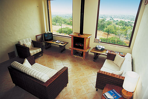 Casa Oasis in Estoi, Algarve - sleeps 6 people