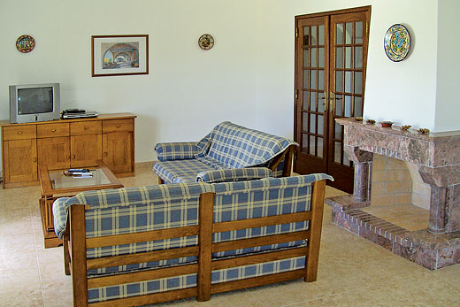 Casa Sol in Carvoeiro, Algarve - sleeps 6 people