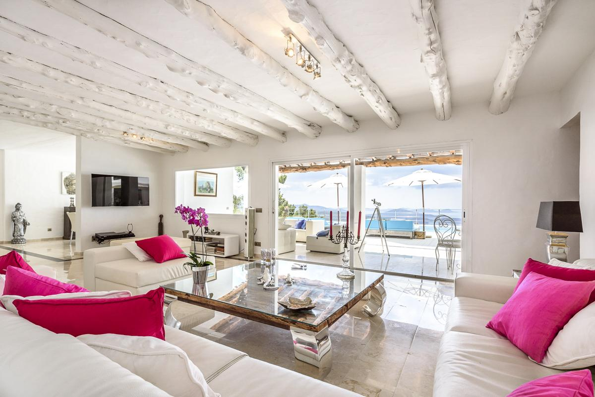 Casa Vista Marina in Es Cubells - sleeps 12 people