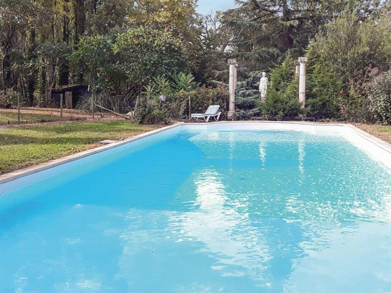 Chateau du Rauly in Monbazillac, Dordogne and Lot - sleeps 10 people