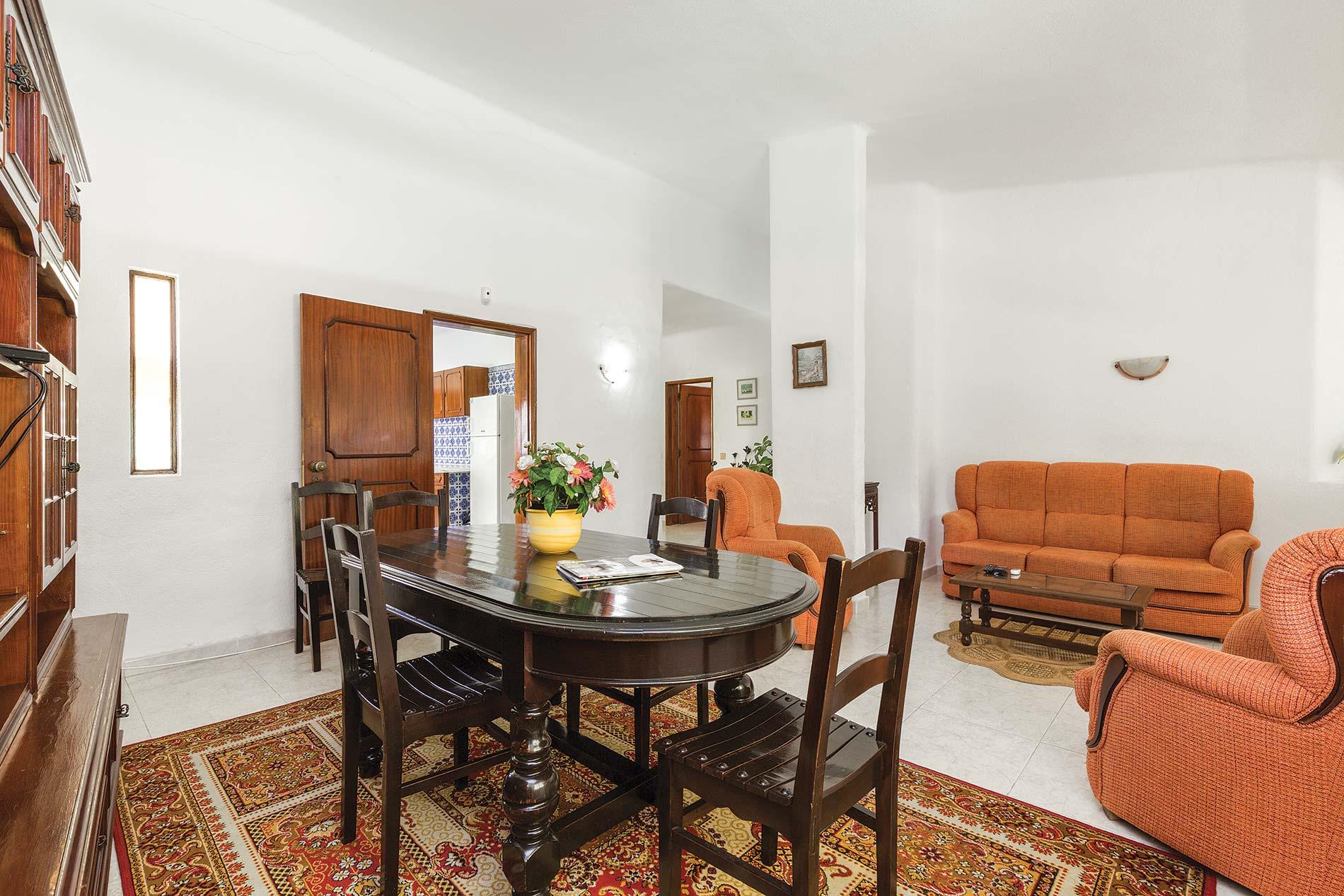 Graciete in Vilamoura, Algarve - sleeps 6 people