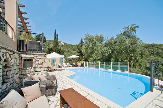 Karydia in Yaliskari, Corfu - sleeps 8 people