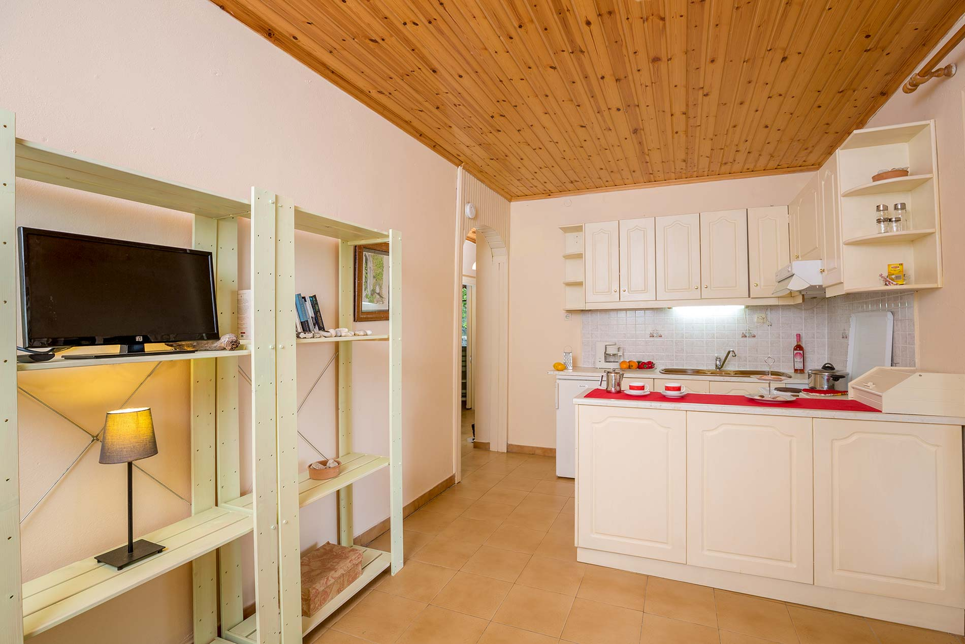 Katina Cottage in Loggos - sleeps 4 people