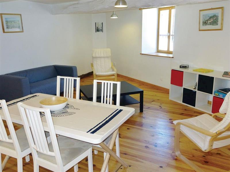 La Maison du Village in Puivert, Languedoc-Roussillon - sleeps 4 people