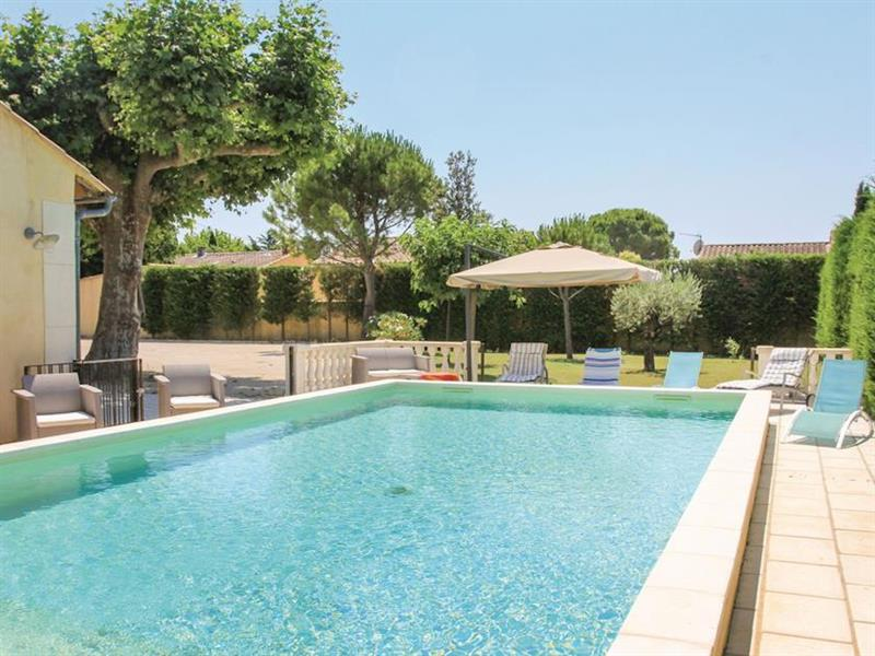 La Maison Jaune in Monteux, Provence - sleeps 9 people