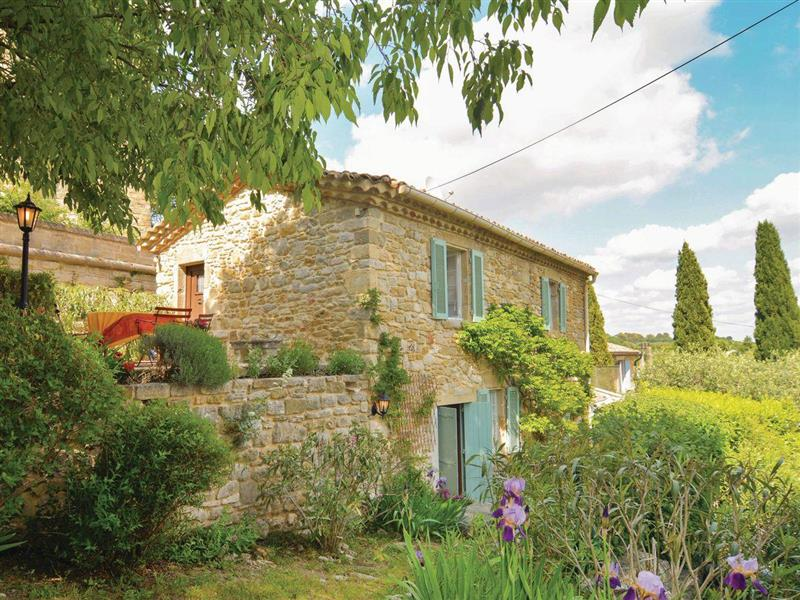 La Maison Jolie in Castelnau-Valence, Languedoc-Roussillon - sleeps 4 people