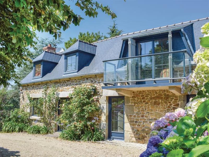 La Villa des Bois in Plouha, Brittany - sleeps 9 people