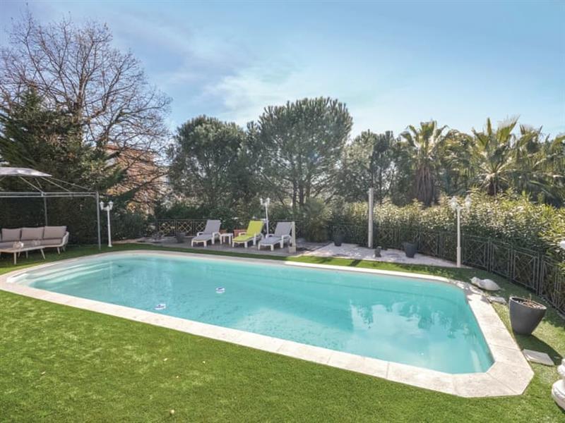 La Villa en Terre Cuite in Fréjus, Côte-d'Azur - sleeps 6 people