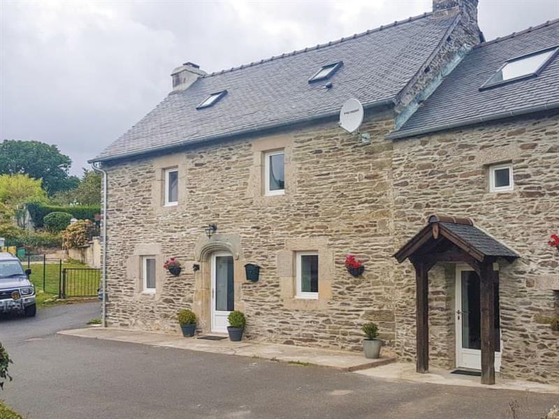 Le Cottage de la Campagne in Saint-Hernin, Brittany - sleeps 5 people