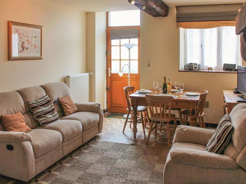 Le Cottage Douillet in La Bazouge-du-Desert, Brittany - sleeps 4 people