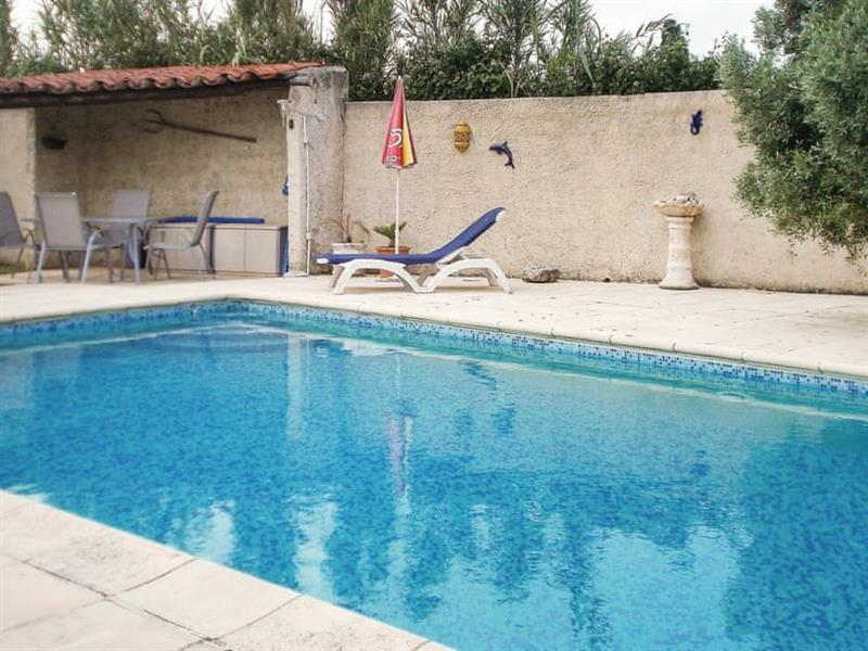 Le Cottage Douillet in Robion, Provence - sleeps 2 people