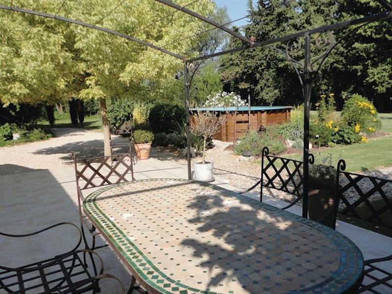 Le Paradis in Pernes-les-Fontaines, Provence - sleeps 6 people