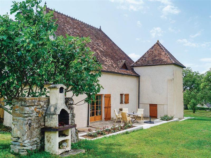 Le Sommet in Mary, Burgundy - sleeps 9 people
