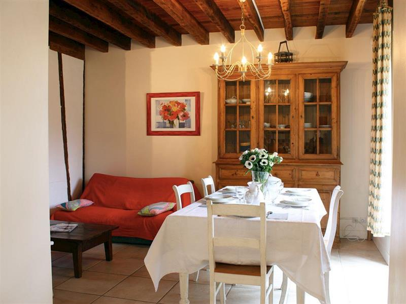 Les Antes in Lumigny-Nesles-Ormeaux, Ile-de-France and Paris - sleeps 5 people
