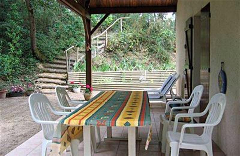 Les Conches in France - sleeps 6 people
