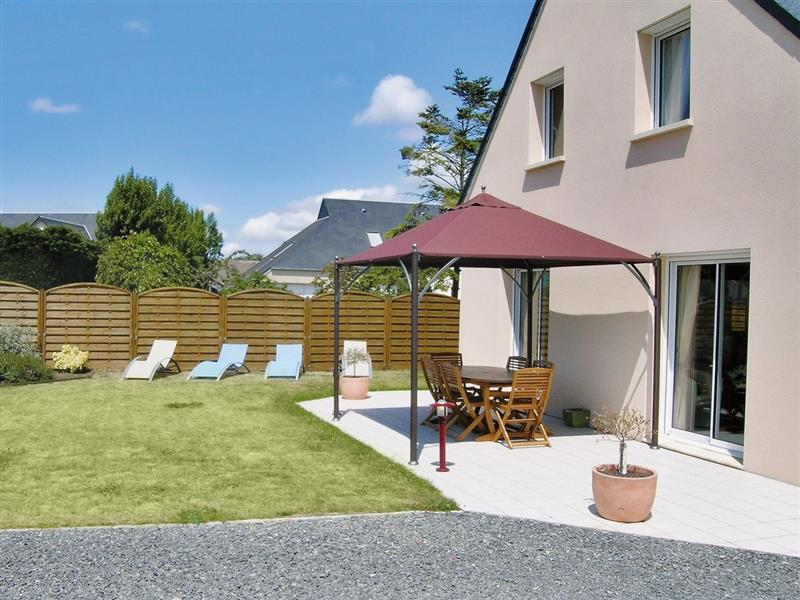 Maison Creances-Plage in Creances-Plage, Manche - sleeps 6 people