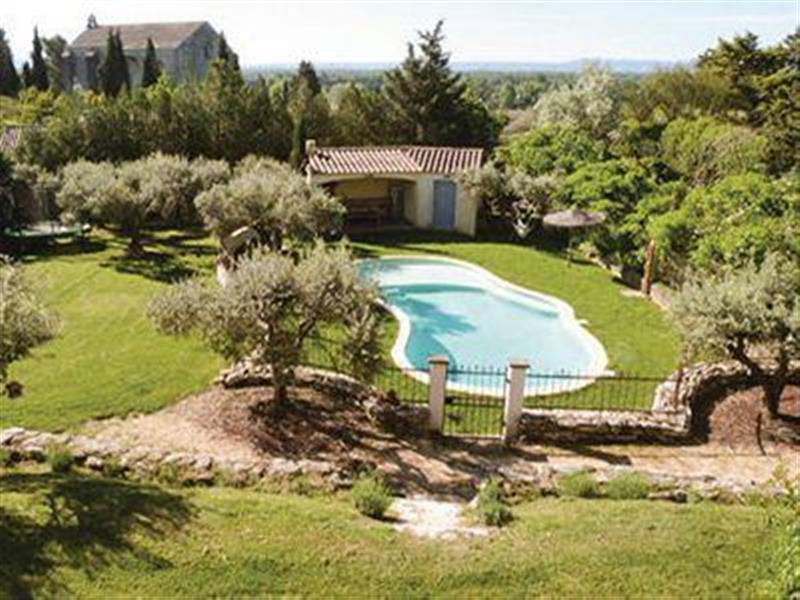 Maison des Oliviers in Caumont-sur-Durance, Provence - sleeps 8 people