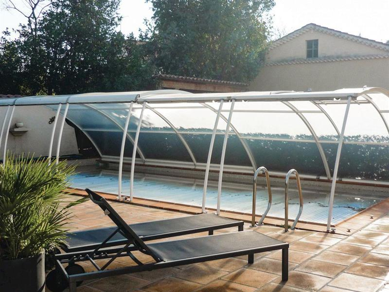Maison La Garde in La Garde, Var - sleeps 10 people