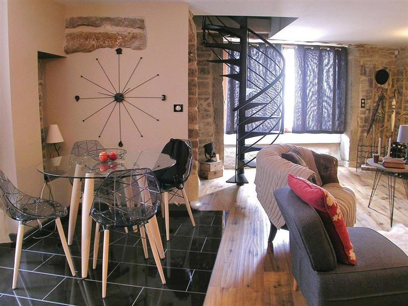 Maison Maumenets in Nolay, Côte d'Or - sleeps 4 people