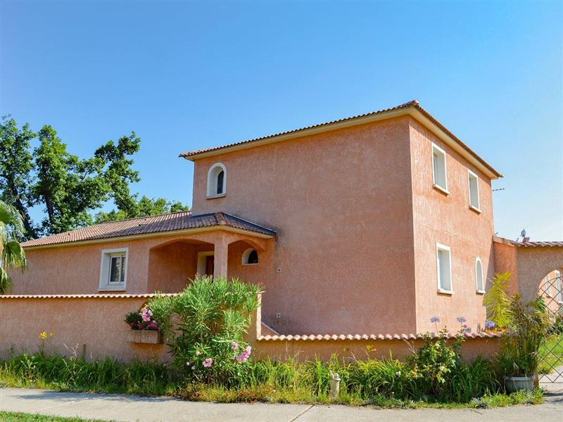 Maison Moriani-Plage in Moriani-Plage, Corsica - sleeps 14 people