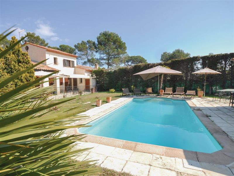 Maison Mougins in Mougins, Alpes-Maritimes - sleeps 8 people