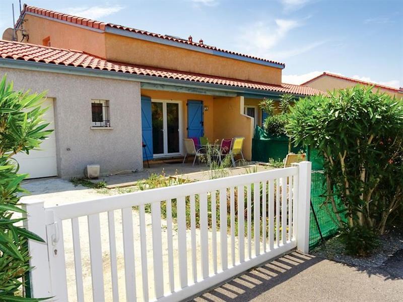 Maison Volets Bleurs in Torreilles, Languedoc-Roussillon - sleeps 6 people