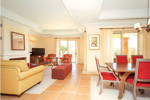 Miradouro Villa III in Monte Rei Golf & Country Club, Algarve - sleeps 6 people