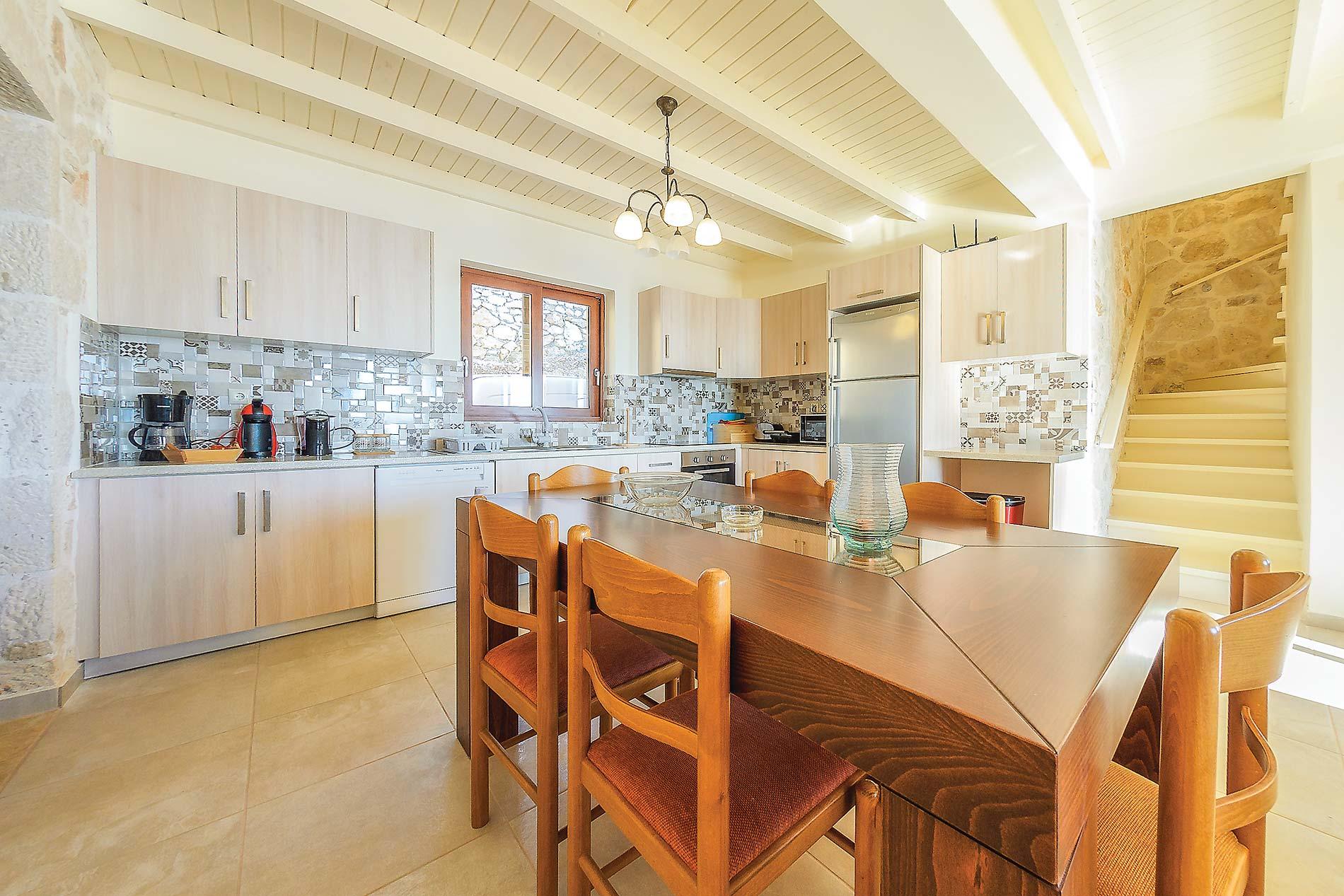 Orient Villas Deluxe in Xigia - sleeps 4 people