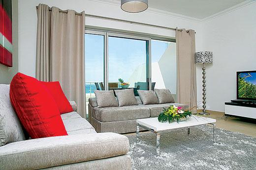 Townhouse Beach Front II in Praia D'el Rey Golf & Beach Resort, Silver Coast - sleeps 4 people