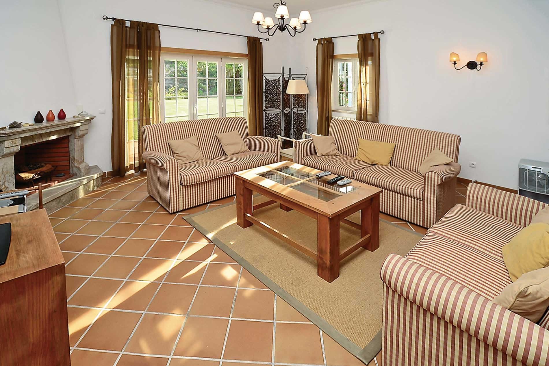 Townhouse Casa Ari in Praia D'el Rey Golf & Beach Resort - sleeps 6 people