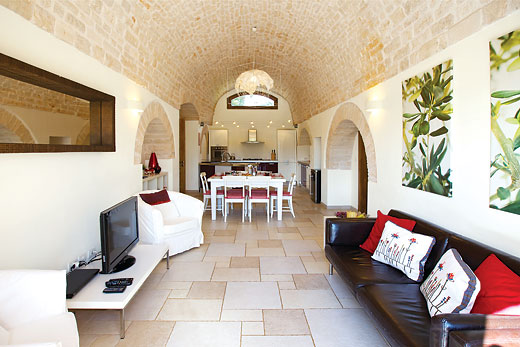 Trullo Rondini in Alberobello, Puglia - sleeps 6 people