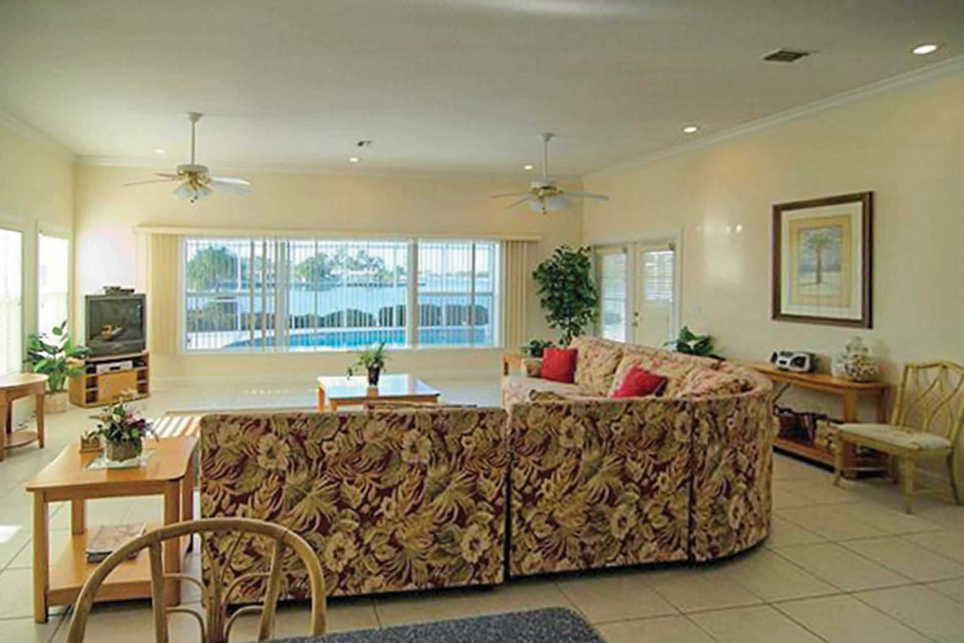 Villa 532 70th Street in Anna Maria Island - sleeps 10 people