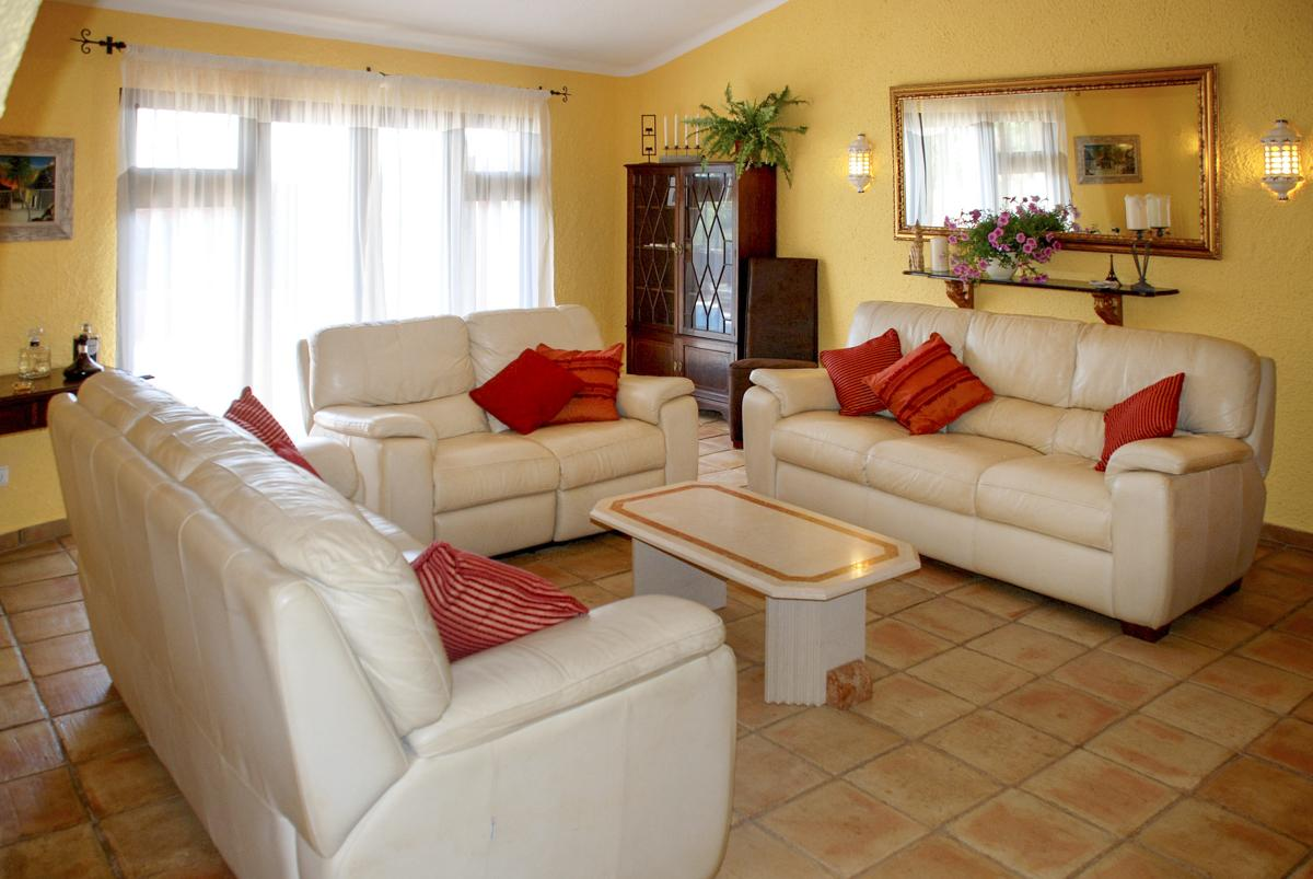 Villa Adelisa in Carvoeiro - sleeps 8 people