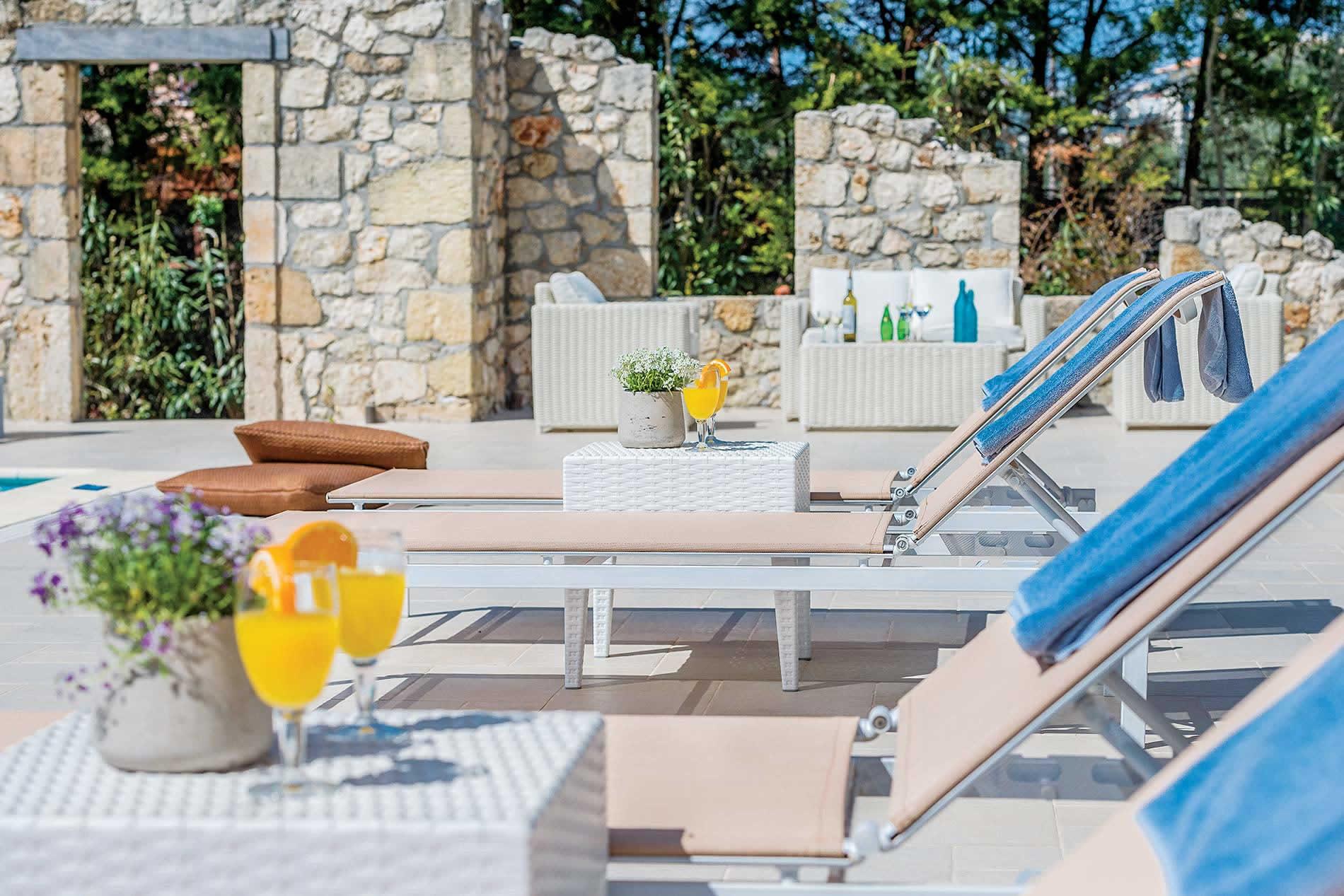 Villa Aktaia Residence in Svoronata - sleeps 6 people
