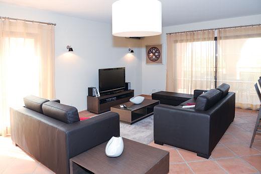 Villa Alfarroba in Amendoeira Golf Resort - sleeps 6 people