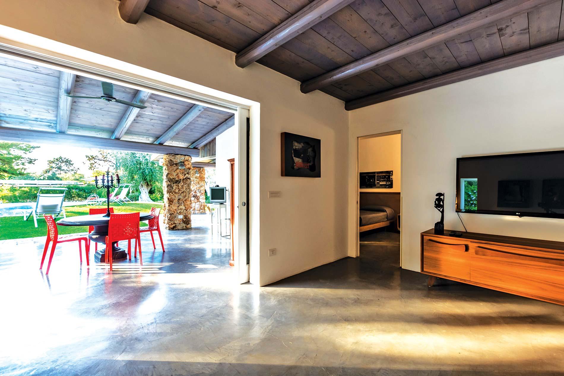 Villa Amore in Ostuni - sleeps 6 people