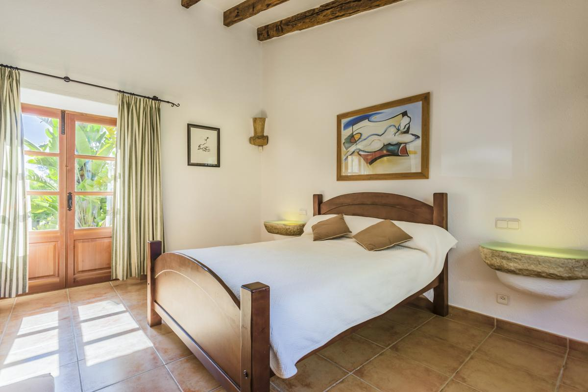 Villa Amparo in Alcudia - sleeps 8 people