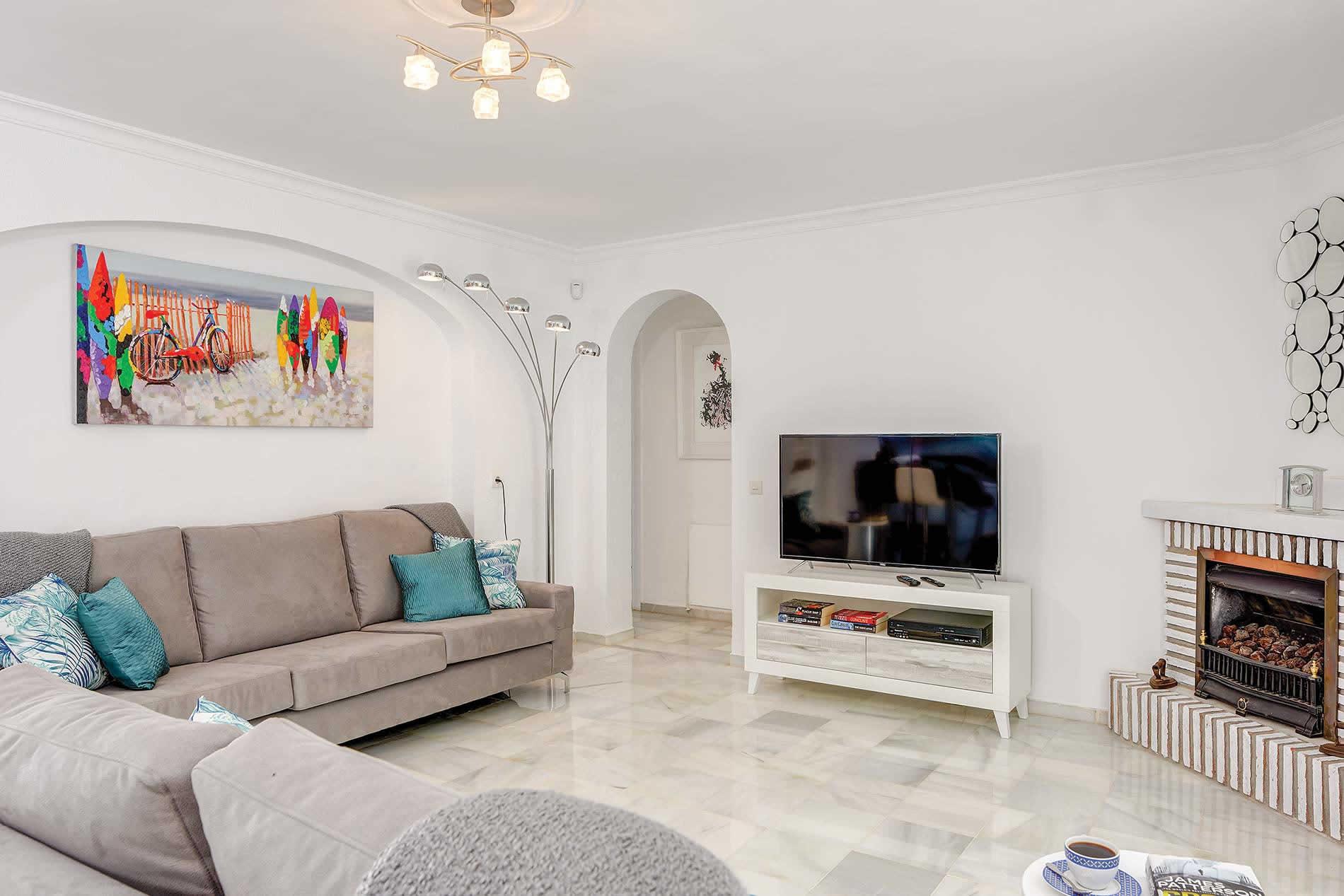 Villa Auspana in Calahonda - sleeps 6 people