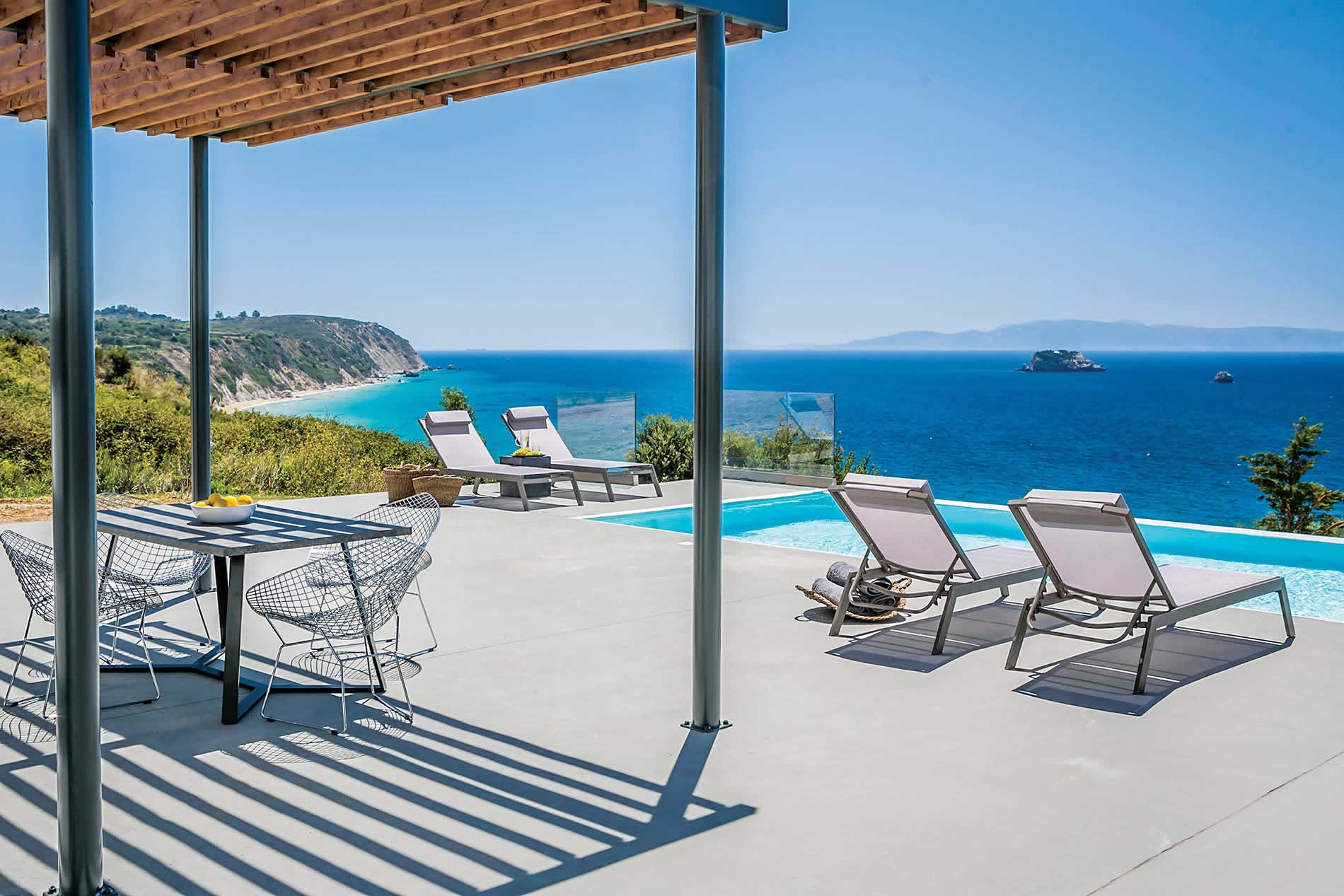 Villa Avithos Beach view in Svoronata - sleeps 4 people