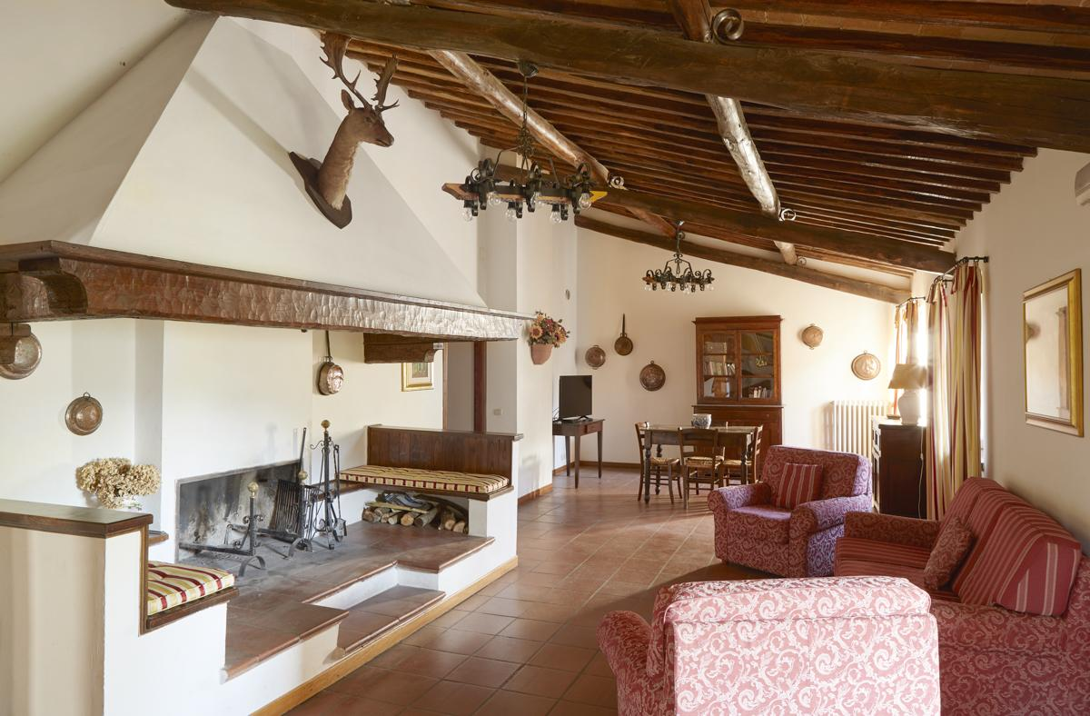 Villa Bello in Montepulciano - sleeps 20 people