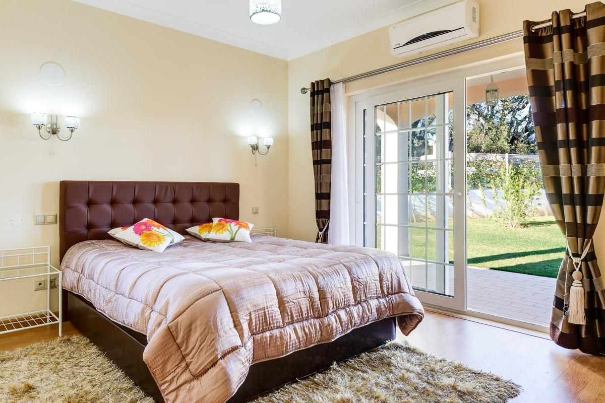 Villa Brejos in Albufeira - sleeps 10 people