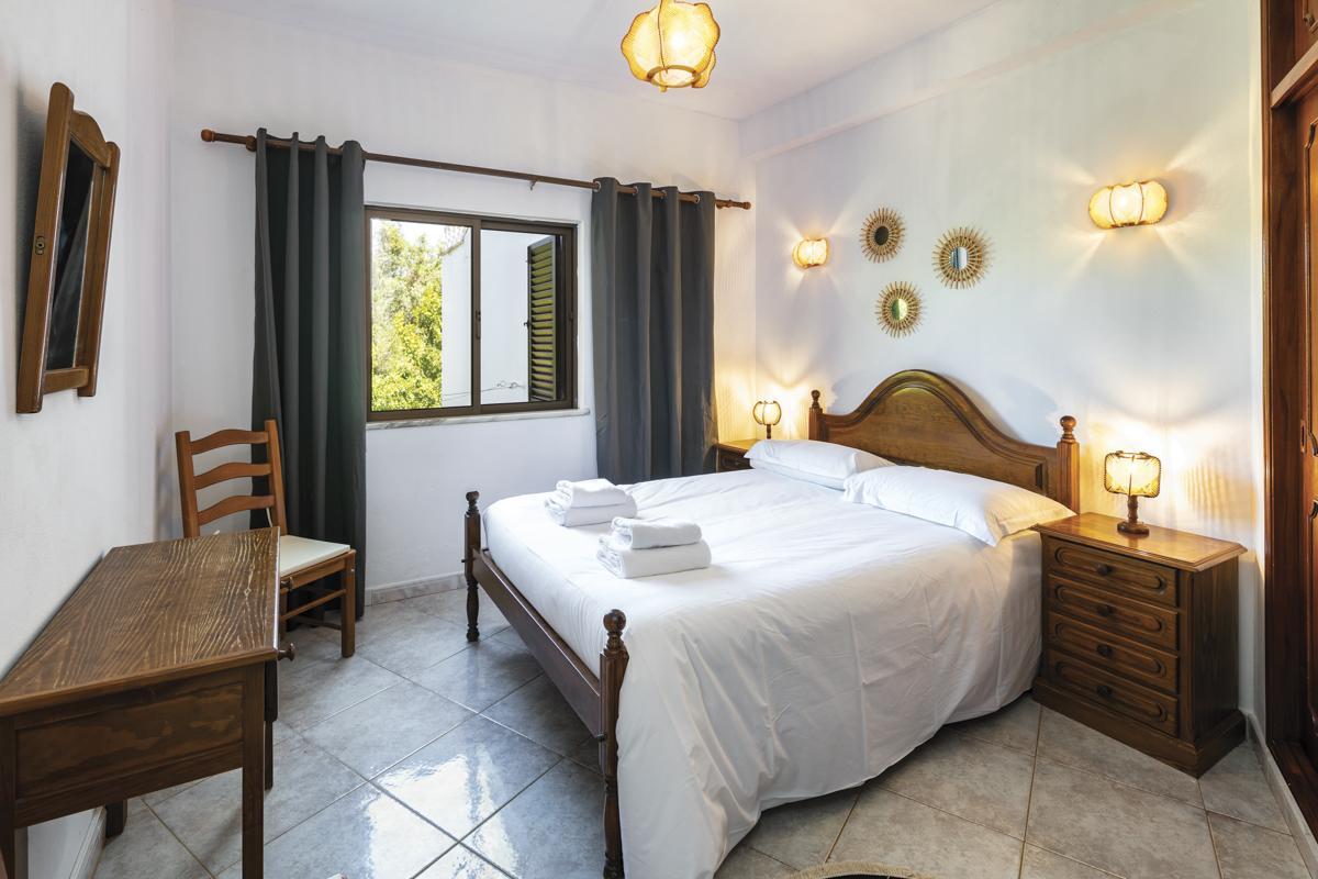 Villa Calinho in Carvoeiro - sleeps 20 people