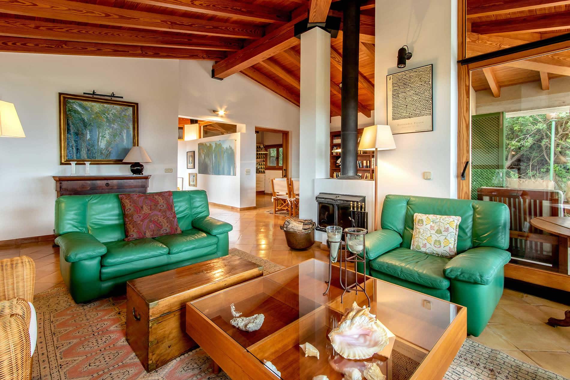 Villa Ca'n Sesenta in Pollensa - sleeps 10 people